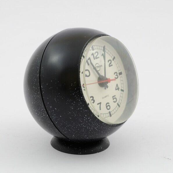 Czarny zegar kula Metron