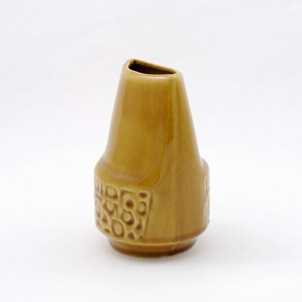 Brązowy porcelitowy wazon z Mirostowic