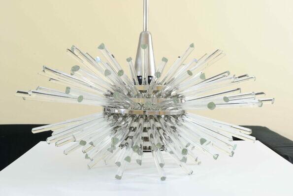 Żyrandol Bakalowits Miracle wykonany z kryształowych prętów i niklowanej blachy