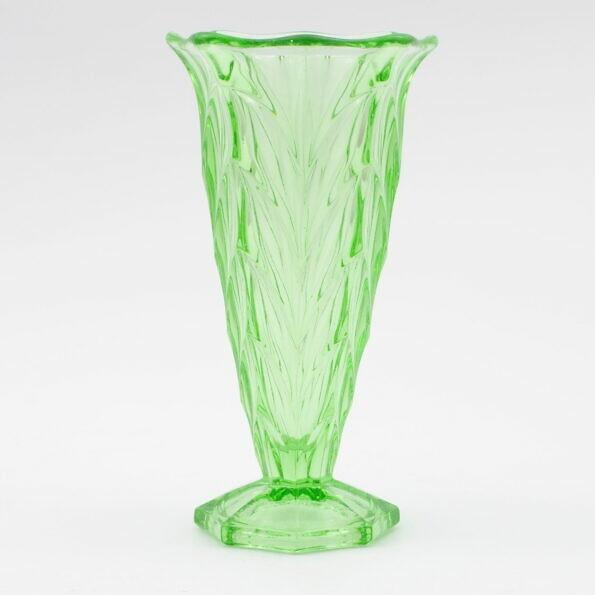 Uranowy wazon art deco Czechosłowacja lata 30.