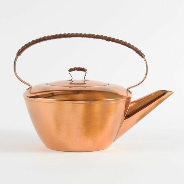 Miedziany czajnik w stylu mid-century