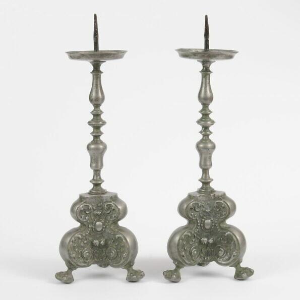 Cynowe barokowe świeczniki, XVIII wiek